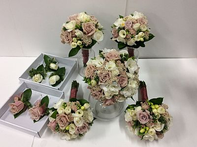 Wedding dusky pink and cream wedding flowers flower wholesalers wedding dusky pink and cream wedding flowers mightylinksfo