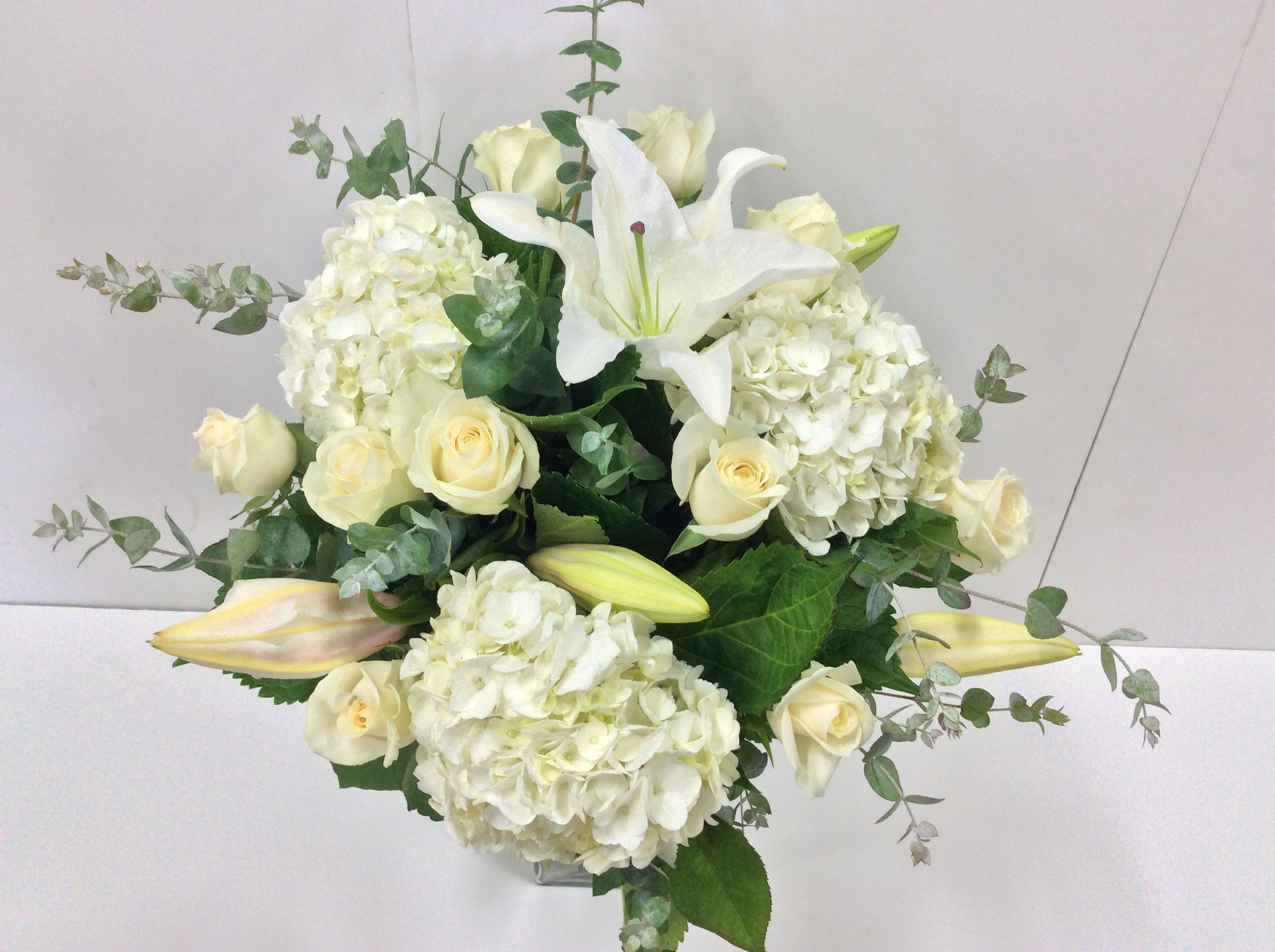 Large All White Bouquet Flower Wholesalers Takapuna
